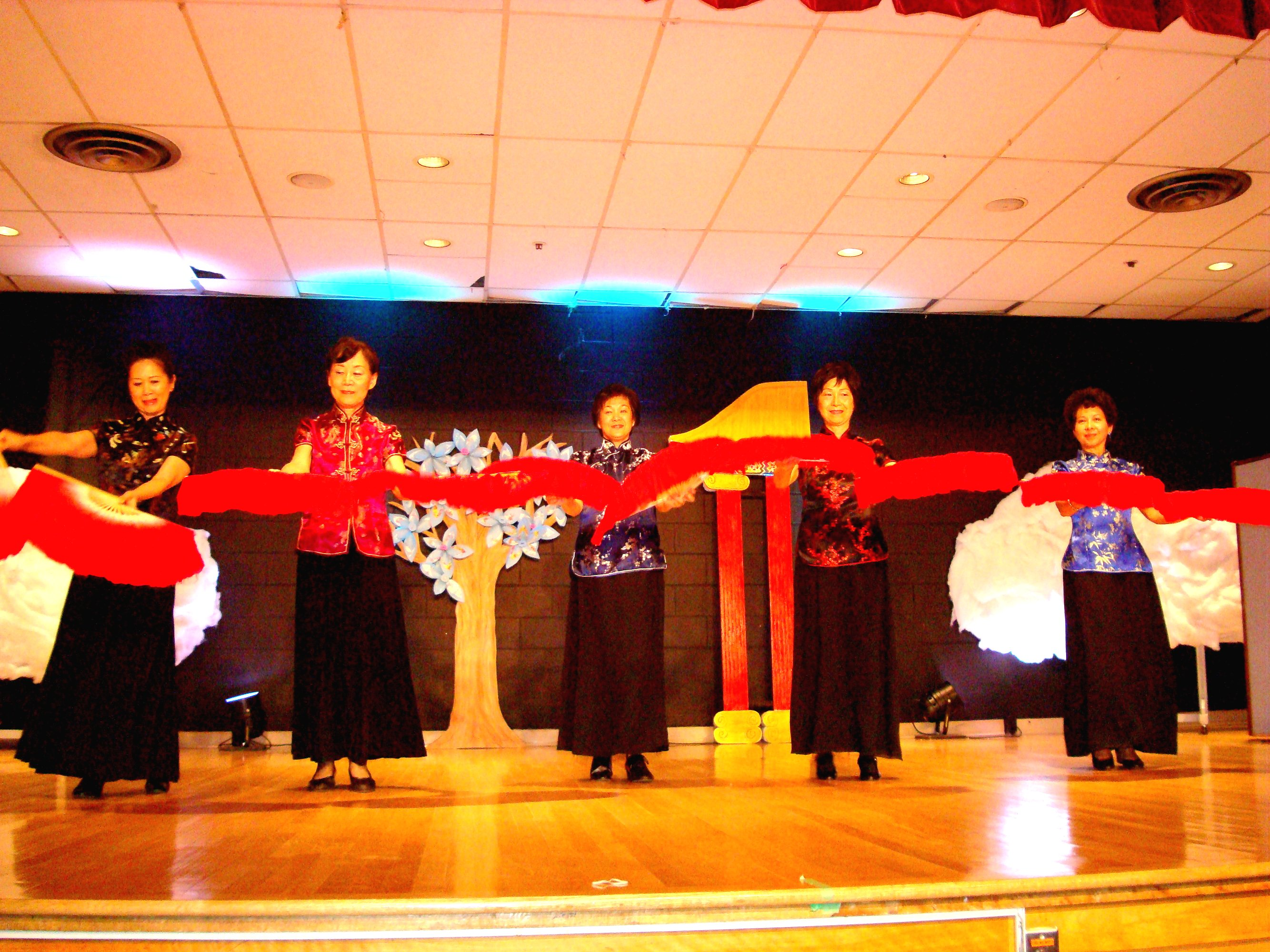 Chinese Fan Dance 1