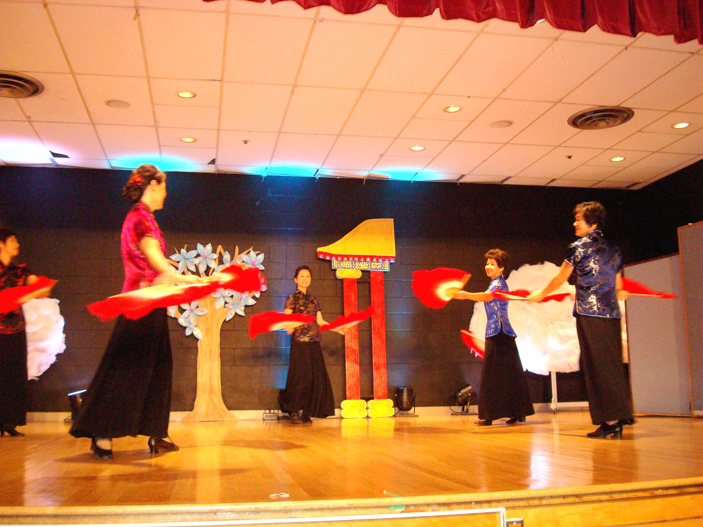Chinese Fan Dance 2
