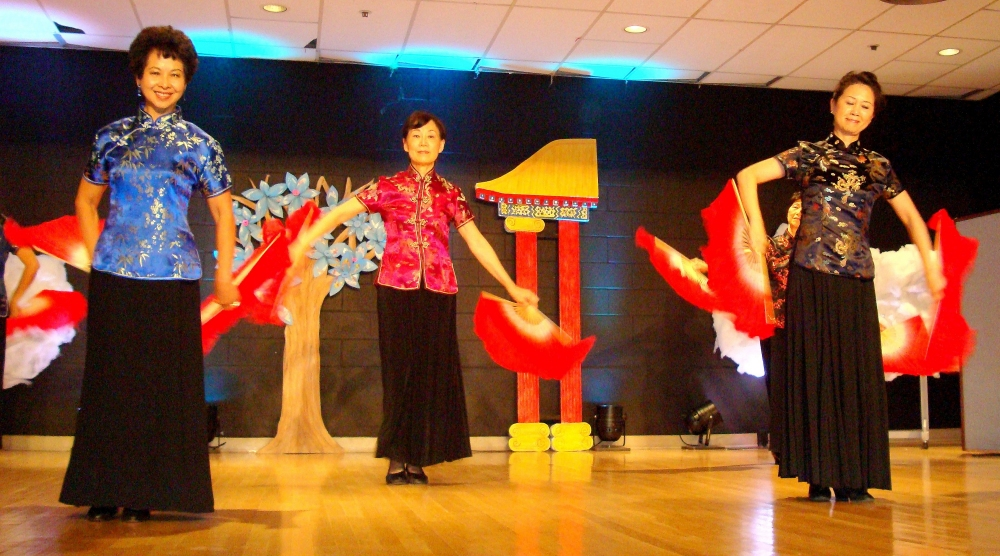 Chinese Fan Dance 3