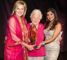 Bonnie Crombie and Anu Vittal present the Lifetime Achievement in the Arts Award to former mayor Hazel McCallion. Photo by Bryon Johnson http://www.mississauga.com/news-story/5608665-mississauga-arts-council-honours-city-s-best-and-brightest/