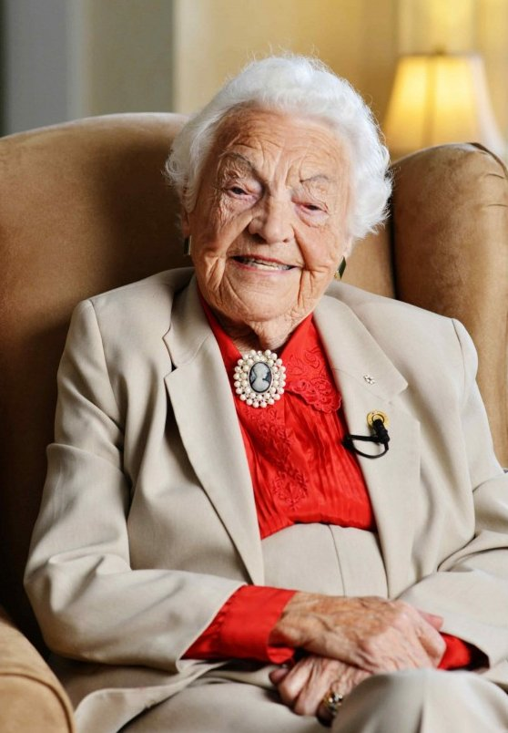 Hazel McCallion Revera Chief Elder Officer Google image from https://www.seniorszen.com/sites/default/files/userfiles/eveline/Hazel_2015_CEO.jpg