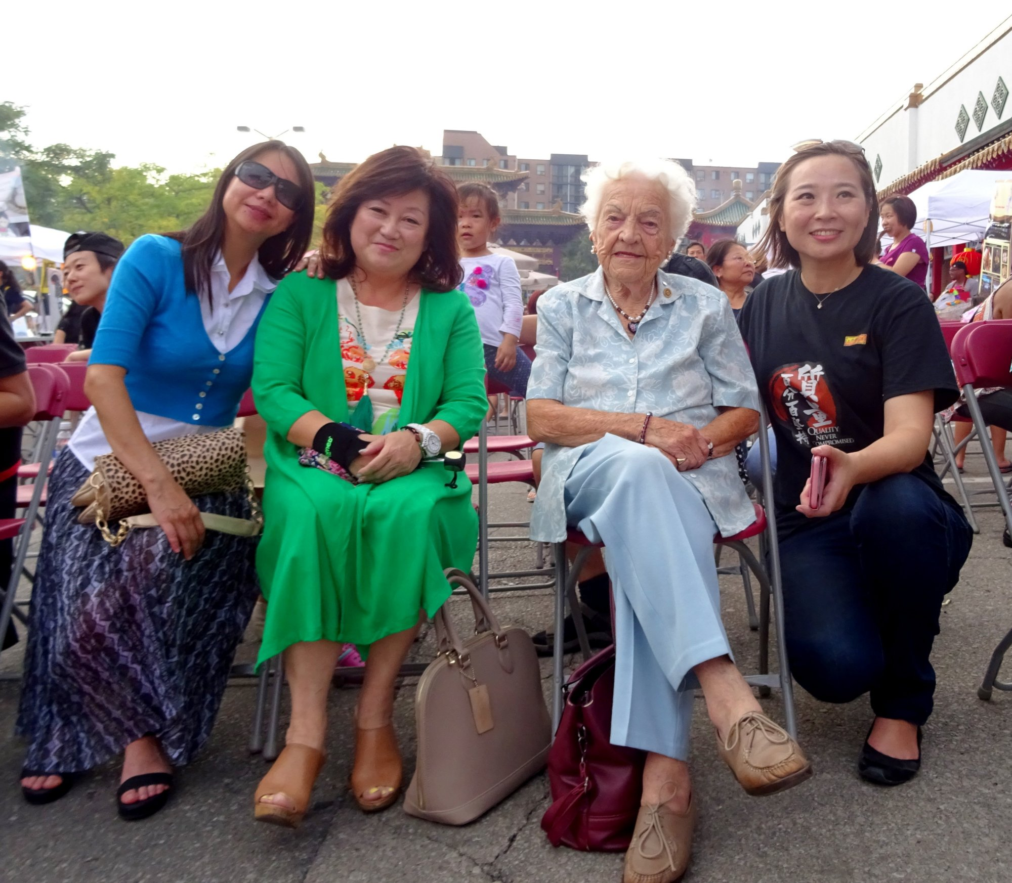 Winnie Fung and Hazel McCallion with Event Organizers at Chinese Mid-Autumn Festival at Mississauga Chinese Centre 10 September 2016 photo by I Lee