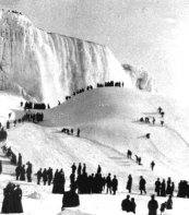 Niagara Falls Frozen Over Photo 3 from http://urbanlegends.about.com/library/bl_niagara_falls_frozen2.htm